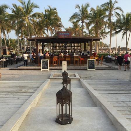 Cocos Pool Bar
